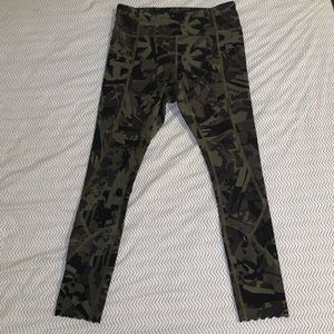 Lululemon Tight Stuff Tight Pop Cut Green Camo